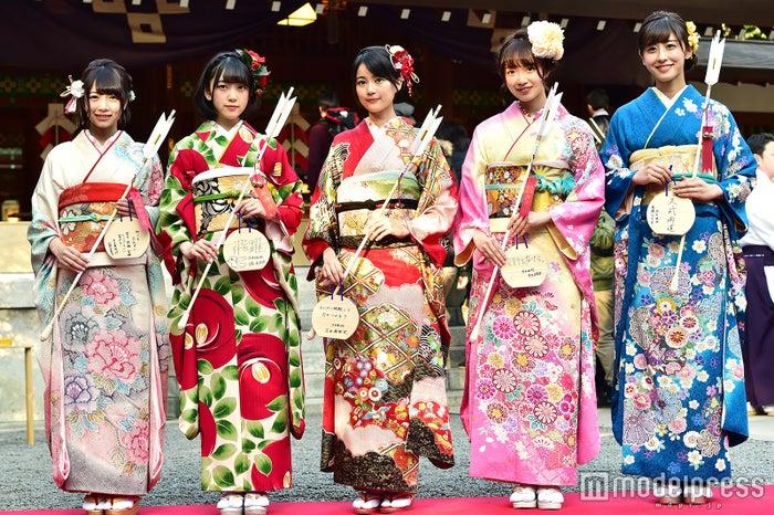 「乃木坂46 成人式 堀未央奈」の画像検索結果