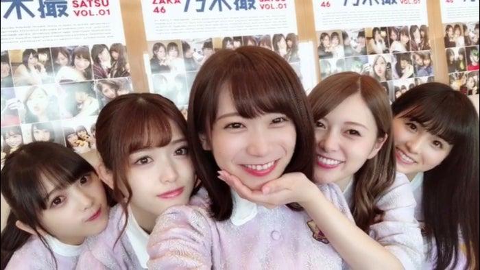 与田祐希、松村沙友理、秋元真夏、白石麻衣、大園桃子(提供写真)