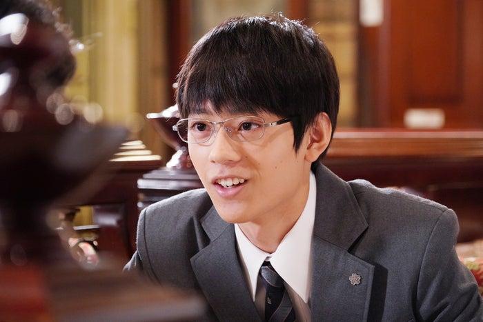 水沢林太郎(C)日本テレビ「俺の話は長い」