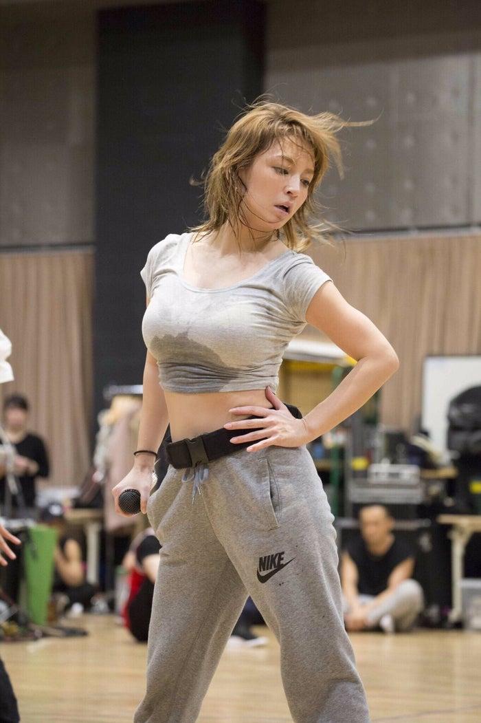 ayumi hamasaki COUNTDOWN LIVE 2016-2017 A 『Just the beginning -20-』の通しリハーサルの様子(画像提供:avex)