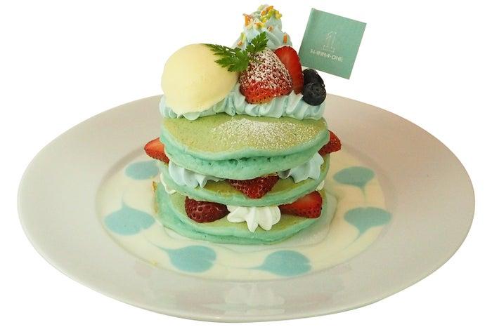 ブルーパンケーキ・ドリンク付き1,400円/画像提供:グルマンディーズ