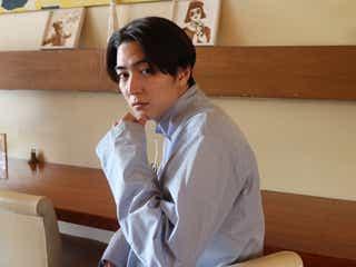 稲葉友、念願の再会に「ドギマギ」 民放ドラマ初主演で感じたこととは<年の瀬ドラマ「平成ばしる」インタビュー>