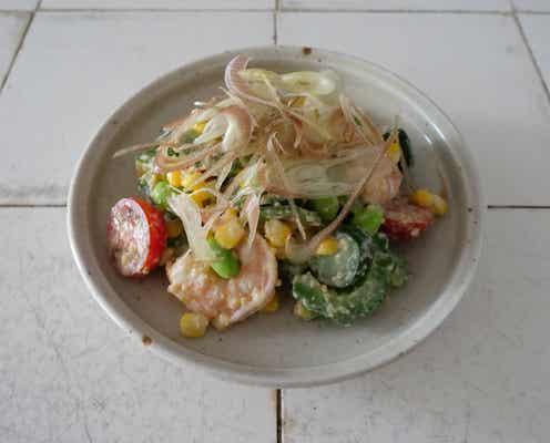 唐辛子を使わない韓国料理。料理家 渡辺康啓さんに教わる「ゆで野菜の松の実ソース和え」【おいしい旅案内 vol.2】
