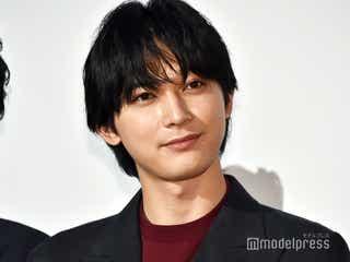 吉沢亮、スタッフの笑い起こすお茶目なオフショット 大河ドラマ「青天を衝け」Instagram開設