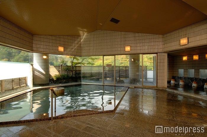 6階大浴場/画像提供:ホテル河鹿荘