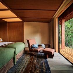 「THE HIRAMATSU 軽井沢 御代田」半露天温泉風呂や特別な食体験を楽しむ山麓のオーベルジュ