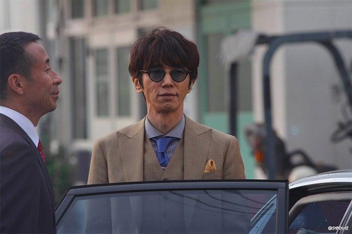 ユースケ・サンタマリア/連続ドラマ「探偵の探偵」第1話より