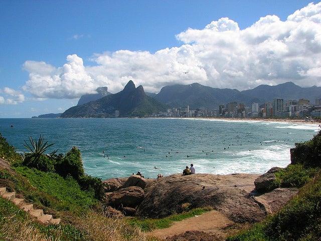 Praia de Ipanema - Rio de Janeiro by Cyro A. Silva