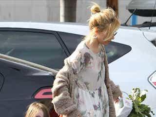 シエナ・ミラーの娘マーロウちゃん、モデル並みの可愛さ