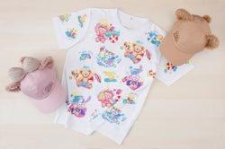 Tシャツ(サイズ:S、M、L、LL)各3,200円/キャップ 各3,500円 (C)Disney
