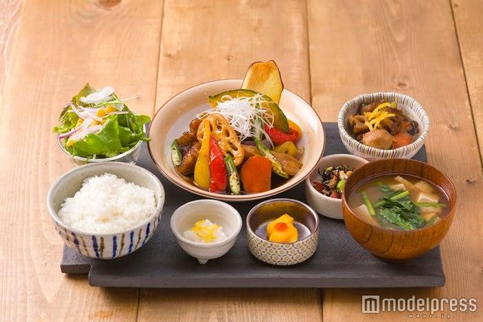 週替わり kawara 和定食980円(税込み) /画像提供:エスエルディー