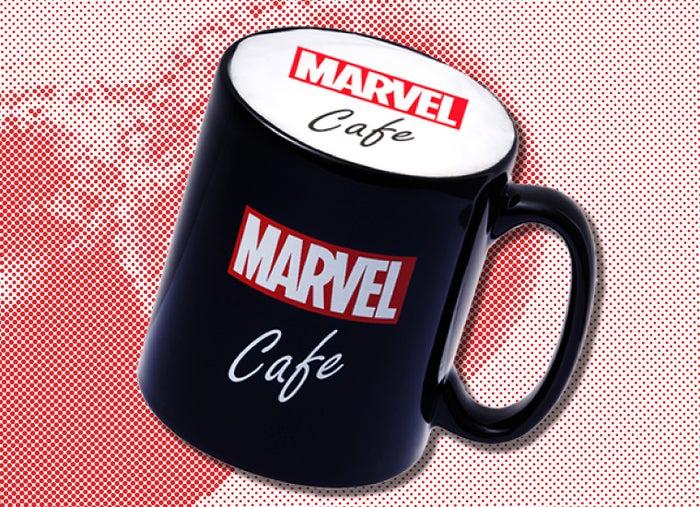 『MARVEL』カフェラテ 単品:899円/マグカップ付き+1,500円(C)2020 MARVEL