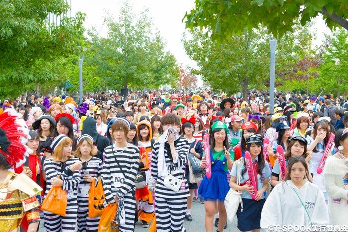 パレードの様子 (C)T-SPOOK実行委員会
