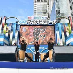 「四代目オマツリ男アナ」 (C)モデルプレス