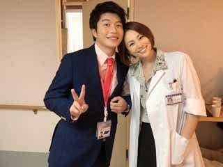 """田中圭&米倉涼子、腕組みショットに「夢のコラボ」と反響 """"再会""""に歓喜の声も"""