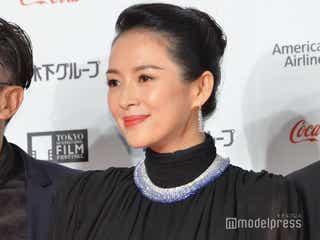 チャン・ツィイー、圧巻の美貌で観客魅了<第32回東京国際映画祭>