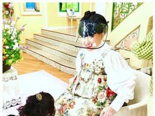 """「徹子の部屋」2ヶ月半ぶり収録再開 """"黒柳徹子専用""""フェイスシールド姿が「おしゃれ」と話題"""