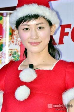 綾瀬はるか、キュートな妖精サンタに変身 クリスマスの予定は?