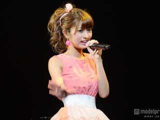 人気モデルMisaki、ミニスカ衣装でパフォーマンス 重大発表も