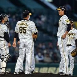 阪神・藤浪の乱調に福原投手コーチ「ゲームの中で修正できなかった」