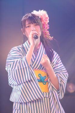 井上ヨシマサ「神曲縛り」公演(C)AKS