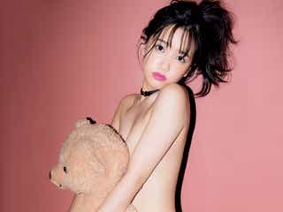 AKB48加藤玲奈、美バストギリギリSEXYショット&キュートな猫耳姿も<初ソロ写真集「誰かの仕業」>