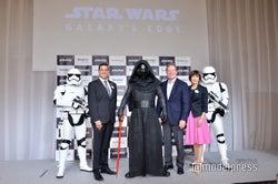ストームトルーパー、ラファ・バロン氏、カイロ・レン、ジェフ・ヴァン・ランジェヴェルド氏、澤田智子氏、ストームトルーパー(C)モデルプレス(C)Disney/Lucasfilm Ltd. (C)& TM Lucasfilm Ltd.