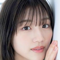 佐々木美玲(C)矢西誠二、光文社