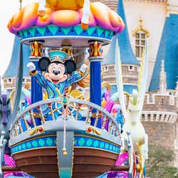 東京ディズニーランドのパレード「ドリーミング・アップ!」(C)Disney