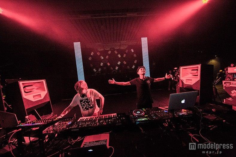 関西最大級のフェス「MUSIC CIRCUS'15」に出演したglobe feat.Tetsuya Komuro&MARC PANTHER/Photo by Kajiwaraksk(Rits univ)【モデルプレス】