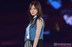 乃木坂46白石麻衣、トップバッターで美脚披露 「GirlsAward 2017 S/S」開幕