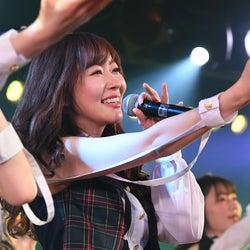 HKT48指原莉乃、古巣・AKB48劇場で最後の公演 異例のオールナイト開催で熱狂