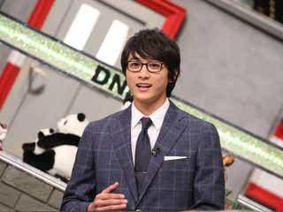 小関裕太、メガネ姿に癒やされる…スーツ×ネクタイも最高【メガネ男子】
