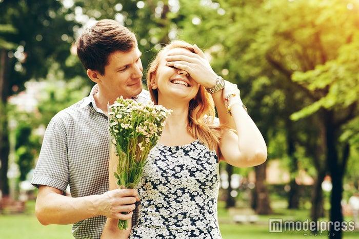 些細な行動が結婚を想像させることも…(photo by DragonImages/Fotolia)