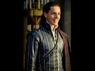 『マレフィセント2』の王子役、注目の英国男優ハリス・ディキンソンとは?