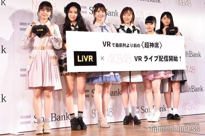 (左から)NGT48本間日陽、NMB48白間美瑠、AKB48柏木由紀、SKE48須田亜香里、HKT48田中美久、STU48瀧野由美⼦(C)モデルプレス