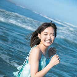 モデルプレス - 「ラブライブ!サンシャイン!!」斉藤朱夏、海でびしょ濡れ&眩しい笑顔