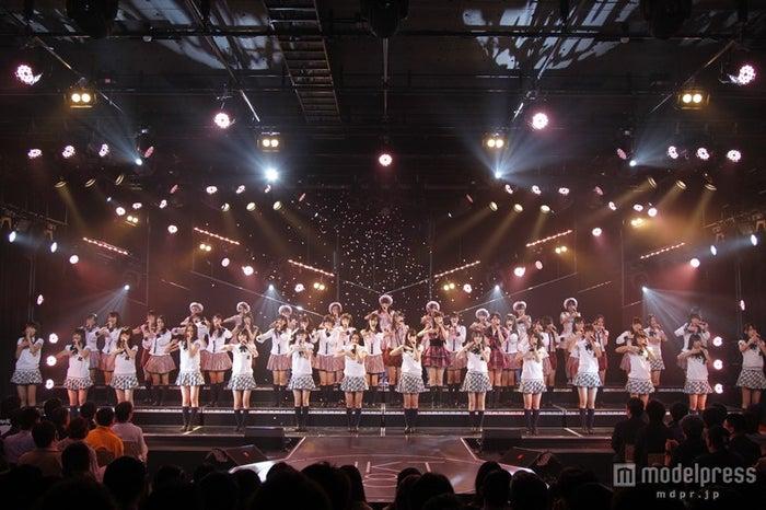 HKT48「桜の花びらたち」