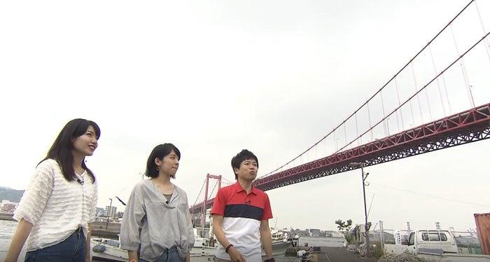 若戸大橋(左から)市山真理菜、山村実代、岡本啓/画像提供:BOAT RACE振興会