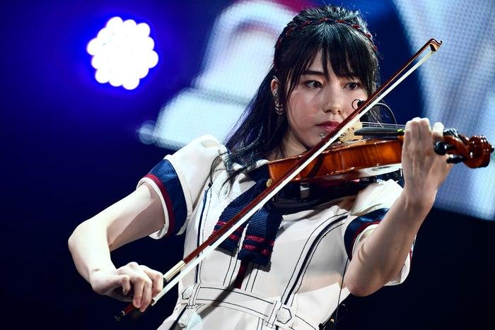 横山由依「AKB48グループ感謝祭~ランクインコンサート~」(C)AKS