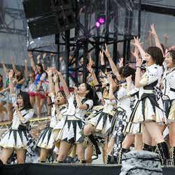 モデルプレス - AKB48総選挙ライブ開催、迫力歌唱も大雨で予定変更<セットリスト>