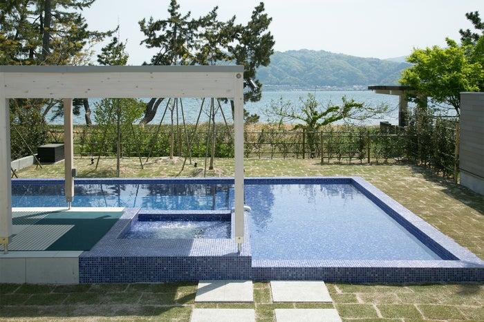 """風光明媚な""""海の京都""""ならではの自然に抱かれたロケーション/画像提供:マリントピアリゾート"""