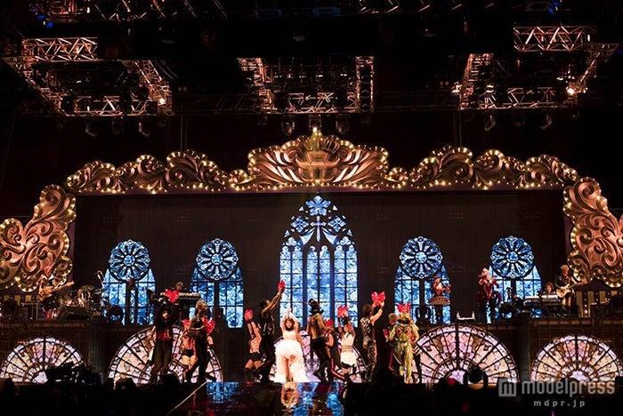 「ayumi hamasaki COUNTDOWN LIVE 2014-2015 A Cirque de Minuit ~真夜中のサーカス~」より