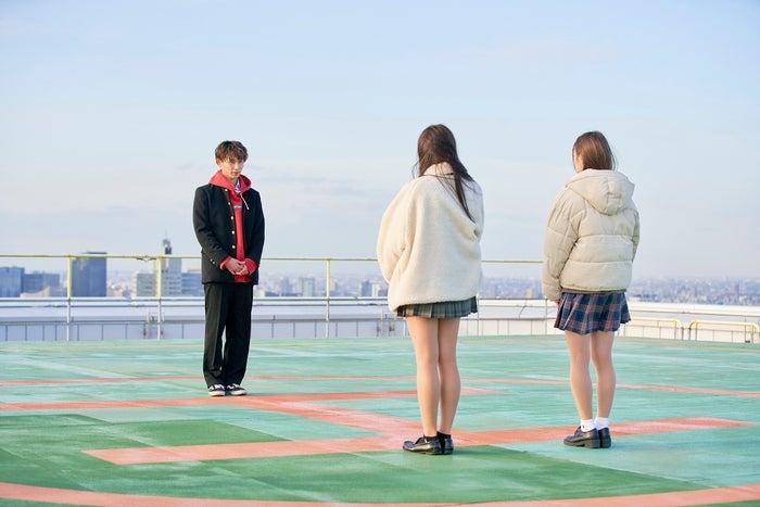 とらい、ヒナ、ななか「恋する◆週末ホームステイ 2021冬 Tokyo」(C)AbemaTV, Inc.
