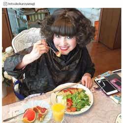 モデルプレス - 黒柳徹子インスタのプラベ写真に「可愛い」「若い」驚きの声 デコケータイ&宝物を披露
