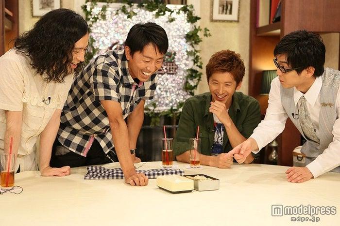 左から:又吉直樹(ピース)、福田充徳(チュートリアル)、寺田真二郎、山崎樹範/画像提供:関西テレビ