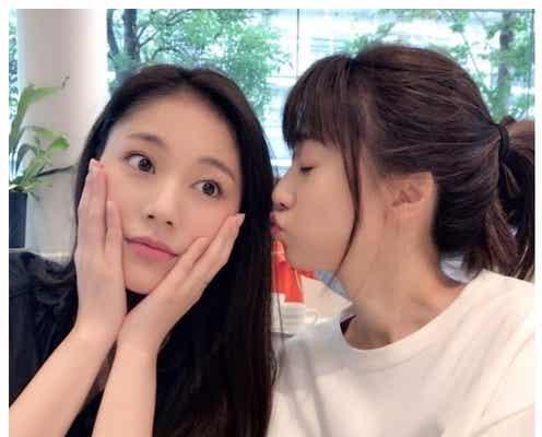"""水沢エレナ、""""美人姉""""ヨンアに再会 仲良しキスショットが可愛い"""