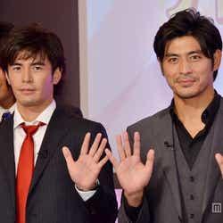 モデルプレス - 伊藤英明&坂口憲二が入社式にサプライズ登場