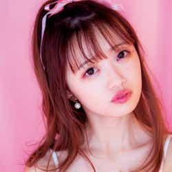 モデルプレス - NGT48中井りか、ピンクに包まれ端麗バストあらわ