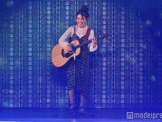 井上苑子、笑顔弾ける「大切な君へ」「だいすき。」に女子熱狂<関コレ2016A/W>